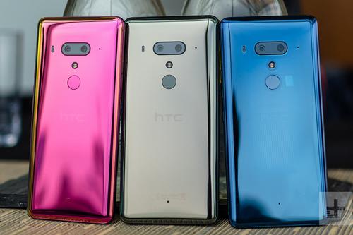 HTC là một trong những hãng smartphone đi đầu về trào lưu đổi màu mặt lưng. Ảnh: DigitalTrends.