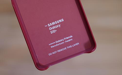 Chip NFC được gắn ở mặt sau của ốp lưng.