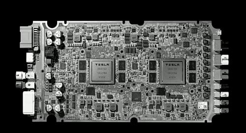 Con chip chõe tự lái do Tesla phát triển, được Elon Musk đánh giá là tốt nhất thế giới.