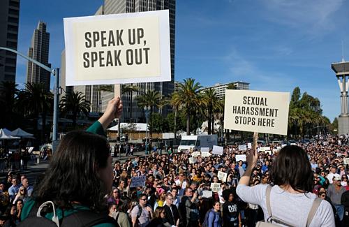 Hàng nghìn nhân viên Google đã xuống đường phản đối nạn quấy rối tình dục công sở tháng 11/2018. Ảnh AP