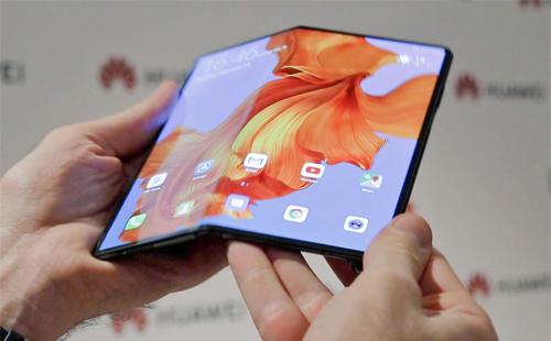 Huawei Mate X màn hình gập sẽ được bán ra thị trường trong tháng 9. Ảnh: TechRadar