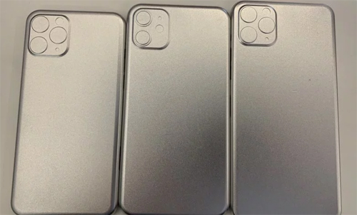 Ngày 13/5, phóng viên Mark Gurnam của Bloomberg chia sẻ lên Twitter bức ảnh được cho là khuôn 3D mặt sau của bộ baiPhone 2019, trong đó iPhone XI và iPhone XI Max có cụm camera ba ống kính xếp theo hình tam giác nằm trong một khung vuông, còn iPhone XR 2019 (giữa) cũng dùng khung vuông nhưng sử dụng ống kính kép. Những hình ảnh này khớp với các tin đồn khác gần đây về iPhone thế hệ mới.