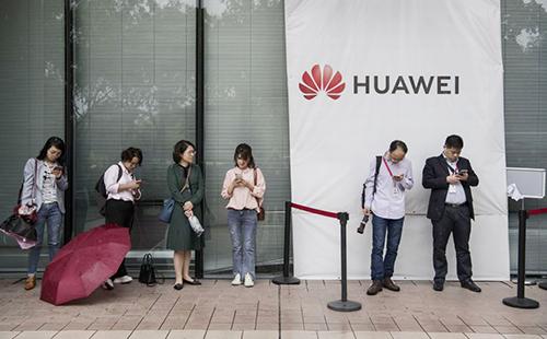 Những câu hỏi đặt ra sau khi Huawei bị Mỹ cấm vận và bị