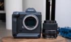 Fujifilm GFX100 - máy ảnh medium format giá 10.000 USD