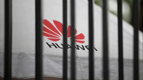 Google cho rằng lệnh cấm Huawei không có lợi cho Mỹ trong tương lai. Ảnh: Reuters.
