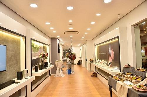 Bose mở store lớn nhất Việt Nam tại Hà Nội