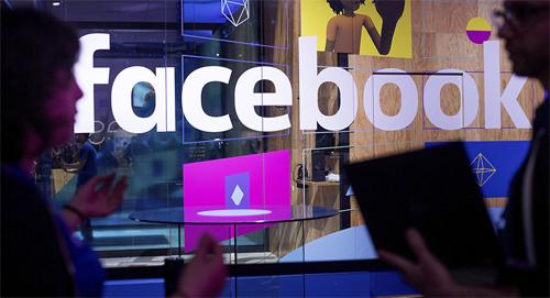 Nội dung trên Facebook chỉ bị ẩn ở những khu vực được cho là vi phạm. Ảnh: Sputnik.