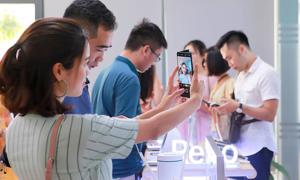 Giới công nghệ Hà Nội trải nghiệm thực tế cặp smartphone cao cấp Oppo Reno Series