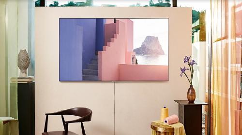 Tính năng Ambient Modecó khả năng nhận diện màu sắc, hoa văn trên tường và môi trường xung quanh để biến đổi tương thích.