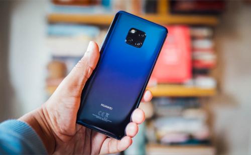 Doanh số điện thoại Huawei chững lại do người dùng lo ngại về khả năng cập nhật Android. Ảnh: TheNextWeb.