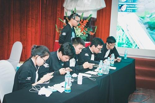 Các giải đấu sinh viên thu hút cả game thủ nam và nữ.