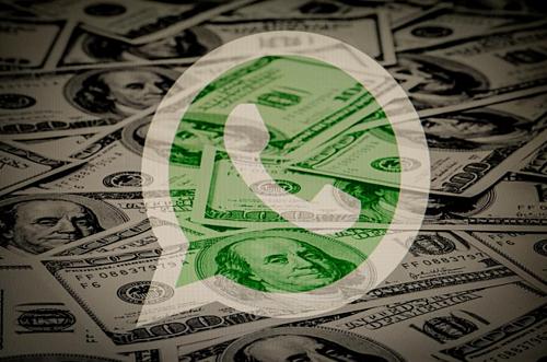 Các tin tặc đang cố gắng thay thế các ứng dụng thực, như WhatsApp, bằng các phiên bản giả mạo phục vụ quảng cáo. Nguồn: Forbes.