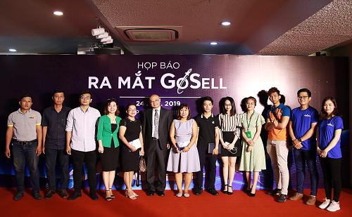 Đội ngũ Gosell và các đối tác, khách hàng tại sự kiện ra mắt.