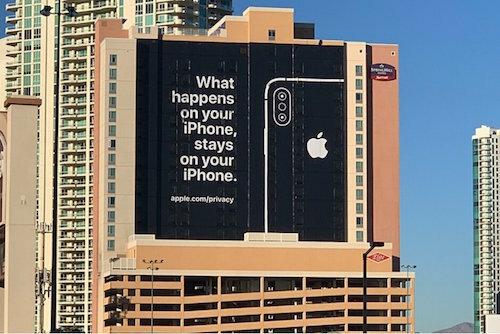 Quảng cáo về bảo mật dữ liệu của Apple hồi tháng 1/2019 ở Las Vegas (Mỹ). Ảnh: PhoneArena.
