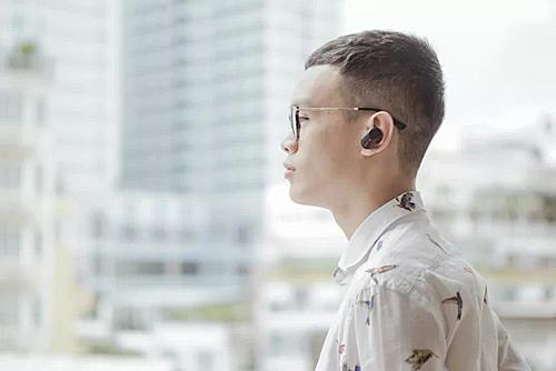Tai nghe cho khả năng chống ồn tốt ở các môi trường có nhiều tiếng ồn như đường phố, quán cà phê, phòng gym.