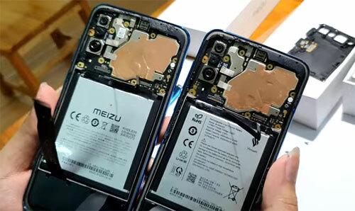 Ảnh bo mạch của điện thoại Meizu 16XS (trái) và Vsmart Live (phải).