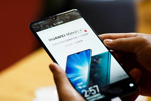 Điện thoại Huawei tiếp tục được sử dụng hệ điều hành Android và nhận các cập nhật từ Android trong 90 ngày tới. Ảnh: SCMP.