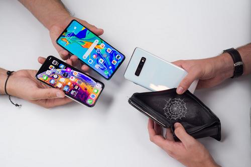 Smartphone cao cấp đã vượt ngưỡng 1.000 USD.