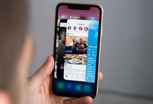 iPhone có thể bị kiểm soát khi người dùng vô tình truy cập vào trang web độc hại. Ảnh: PhoneArena.