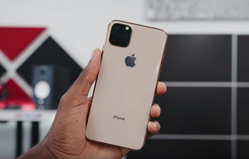 iPhone quá bền khiến người dùng không muốn nâng cấp. Ảnh: MKBHD
