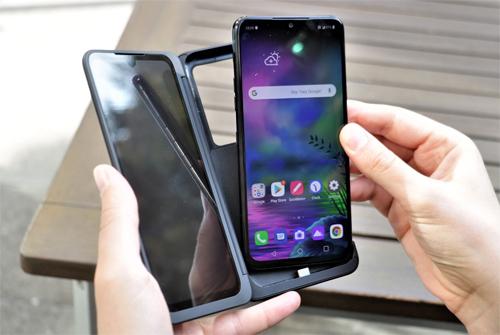 LG ra G8X ThinQ hai màn hình - 1