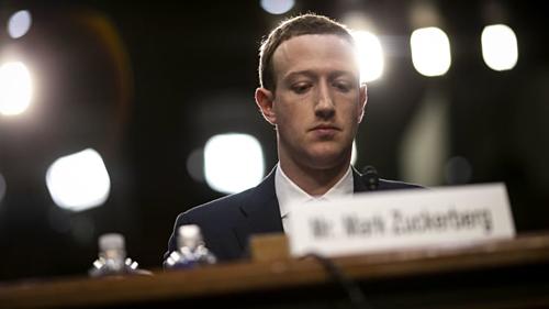 Mark Zuckerberg, người sáng lập kiêm Giám đốc điều hành Facebook trong buổi điều trần với Hạ viện Mỹ ngày 10/4/2018.