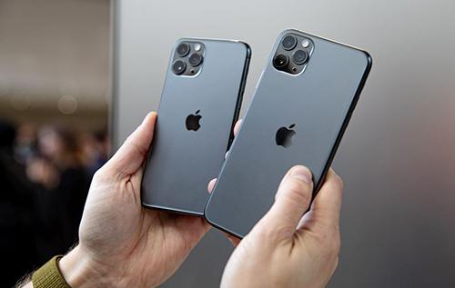 Thay đổi lớn nhất của iPhone 11 Pro và Pro Max là cụm camera phía sau. Ảnh: The Verge.