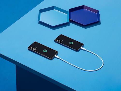 Khả năng sạc ngược OTG qua dây cáp cho điện thoại khác.
