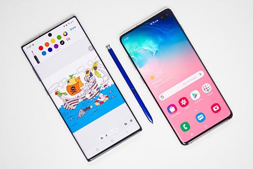Dòng Galaxy S (bên phải) và Galaxy Note (bên trái) có thể hợp nhất do không có nhiều khác biệt. Ảnh: Phonearena.