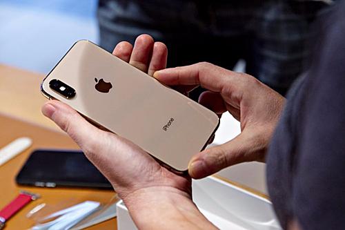 Giá iPhone XS và XS Max tiếp tục hạ sau khi Apple công bố iPhone 11.
