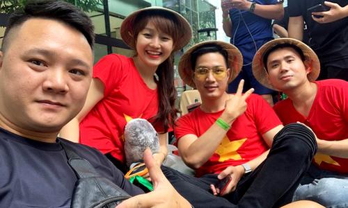 Người Việt xếp hàng hơn 30 tiếng mua iPhone 11