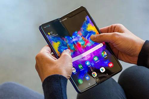 Samsung Galaxy Fold. Ảnh: Cnet