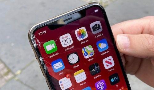 Màn hình iPhone 11 Pro trầy xước khi rơi ở độ cao một mét. Ảnh: Toms Guide.