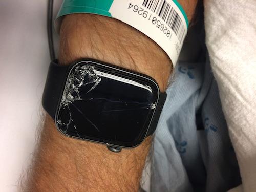 Apple Watch của ông Bob đã cứu chủ.