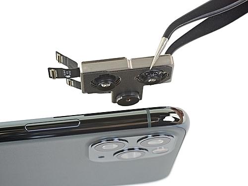 Cụm camera là một trong những linh kiện đắt nhất của iPhone 11 Pro Max. Ảnh: iFixit