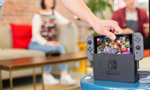 Nintendo mới đây hợp tác với Tencent để ra mẫu console dành cho thị trường Trung Quốc mang tên Switch. Ảnh: The Motley Fool.