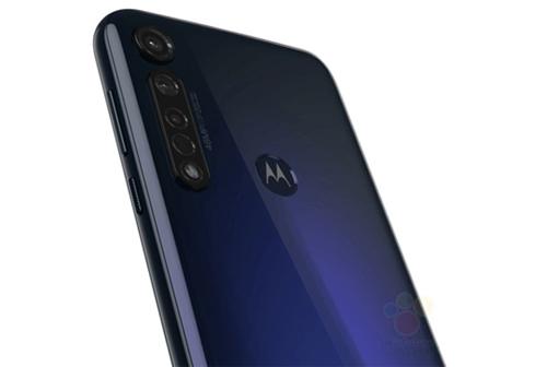 Cụm 3 camera với hệ thống lấy nét tự động laser là điểm nhấn trên Moto G8. Ảnh: WinFuture.