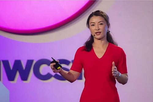 Bà Joy Tan, phó chủ tịch cấp cao của HuaweiMỹ. Ảnh: Sohu.