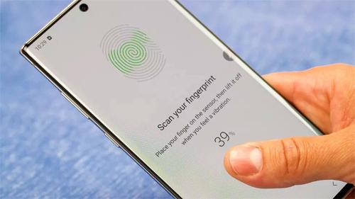 Samsung khuyết cáo người dùng nên đăng ký vân tay mới, đồng thời quét cả trung tâm và các cạnh ngón tay. Ảnh: Android Authority.