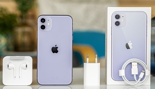 iPhone 11 phân phối chính hãng sẽ có mã VN/A và đi kèm sạc chân tròn.