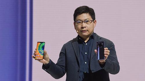 Huawei đang cho thấy lệnh cấm của Mỹ không ảnh hưởng đến việc kinh doanh smartphone trong nước. Ảnh: CNBC.