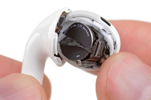 Pin là chi tiết giảm hiệu năng theo thời gian trên AirPods Pro, nhưng Apple không cho phép thay mới.