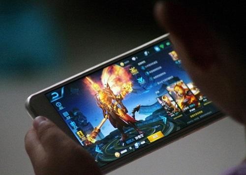 NPH Tencent đã thiết lập hệ thống giới hạn thời gian dựa trên độ tuổi trên trò chơi Honor of Kings (phiên bản Trung Quốc của Liên Quân Mobile). Ảnh: Quatz