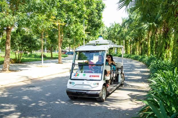 Cuối tháng 10 vừa qua, chiếc xe điện Yamaha tích hợp công nghệ tự hành FPT đã thử nghiệm thành công tại Ecopark.