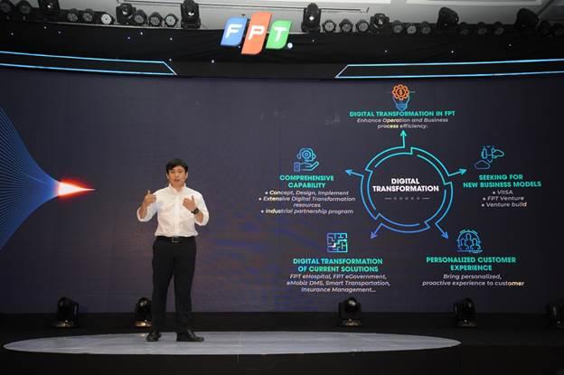 Giám đốc công nghệ FPT Lê Hồng Việt chia sẻ tại FPT Techday 2018.