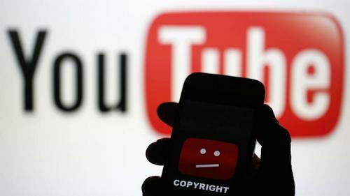 YouTube thêm nhiều quyền hơn nhằm kiểm soát video tải lên trong điều khoản mới. Ảnh: France24.