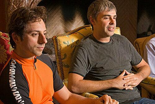 Hai đồng sáng lập Google, Sergey Brin (trái) vàLarry Page (phải) và . Ảnh: Bloomberg.