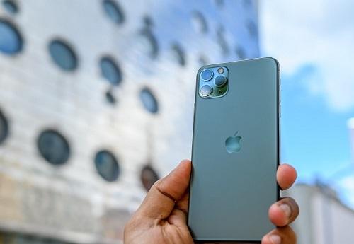 Apple được cho là đang giảm dần sản lượng iPhone 11 để chuẩn bị cho iPhone 12 ra mắt năm sau. Ảnh: Digital Trends.