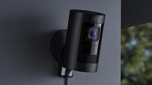 Một sản phẩm camera an ninh tích hợp loa của Ring. Ảnh: ZD Net.