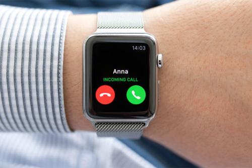 Apple Watch có thể nghe gọi, nhắn tin và vào mạng dữ liệu di động độc lập mà không cần đến iPhone.